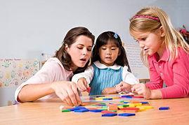 在家庭中该怎样预防儿童多动症?.jpg
