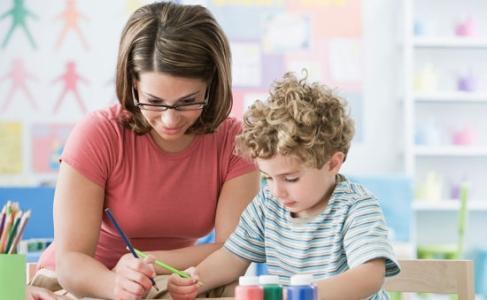家长陪孩子写作业该如何培养好习惯?.jpg
