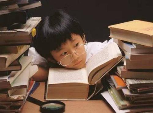 孩子每天做作业拖拉可能与读写障碍有关!.jpg